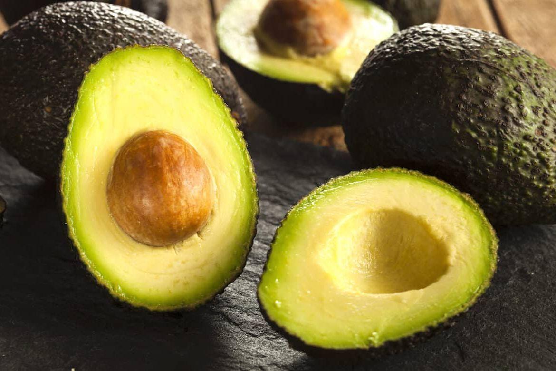 Как правильно хранить авокадо, чтобы оно не испортилось?