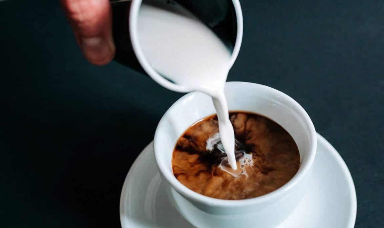 Можно ли заморозить сливки для кофе и как это правильно делать?
