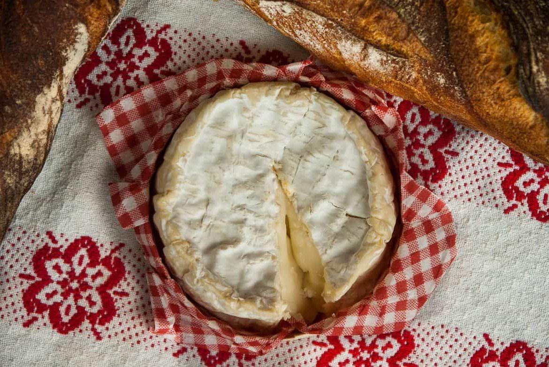 Можно ли заморозить сыр камамбер?