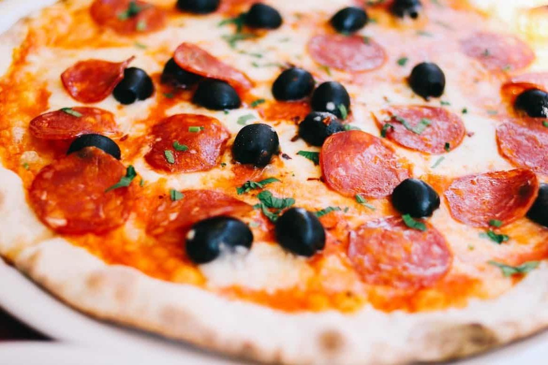 Как приготовить замороженную пиццу в микроволновке