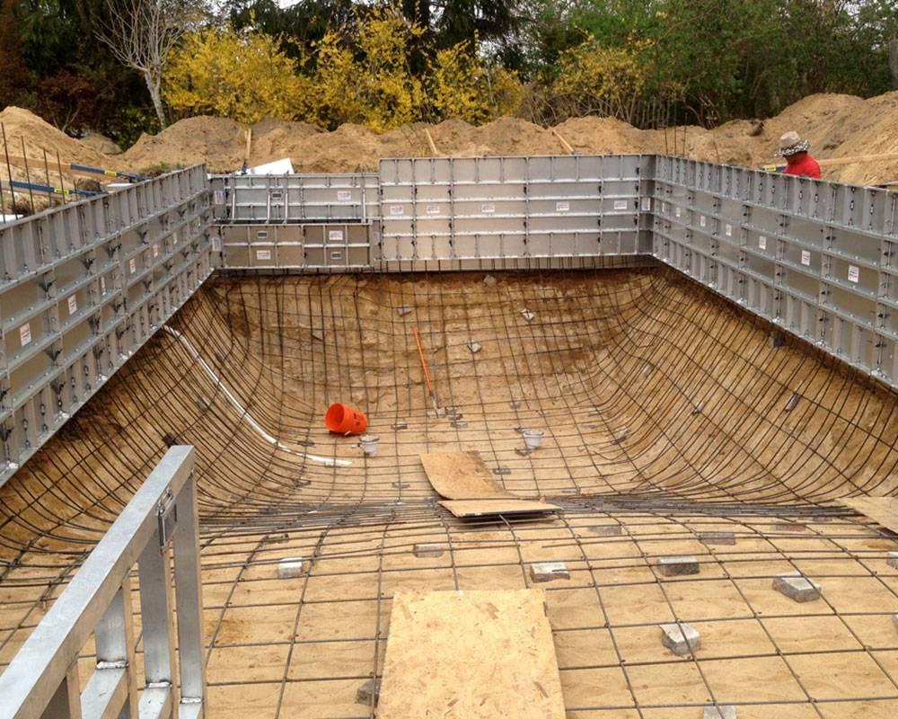 Строительство бассейна из бетона своими руками